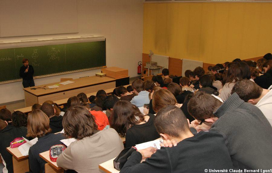 Amphi IUT A - Cours de droit