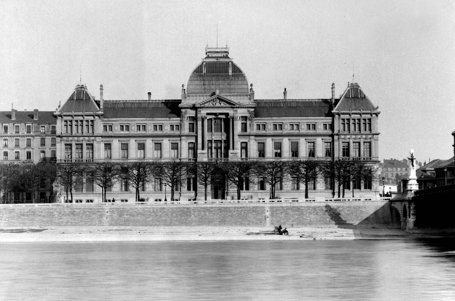 Archives photographiques des bâtiments : université de lyon